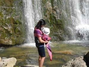 抱っこ紐は、新生児のお世話の強い味方!1