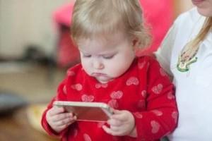 ⑨賛否両論デジタル育児