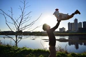 子どもは父の背中をみて育つ